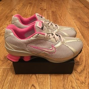 Nike Navina 2 Women's Athletic Shoes Size 8.5